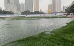 Sân bóng SEA Games ngập sũng nước trước giờ G, tiềm ẩn nguy cơ lớn cho U22 Việt Nam