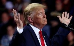 """""""Tứ bề thọ địch"""": Ông Trump bị bủa vây trong những hiểm họa toàn cầu lớn nhất năm 2020"""