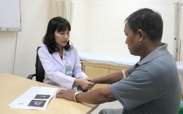Suýt tàn phế vì thói quen dùng thuốc nam tự chữa bệnh