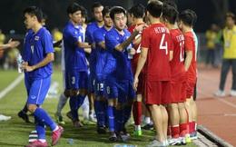 """Cái tên """"đen đủi"""" nhất Thái Lan: Hết bị Malaysia chế giễu lại """"biếu"""" penalty cho Việt Nam"""