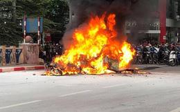 Khởi tố vụ xe Mercedes gây tai nạn liên hoàn khiến 1 người tử vong rồi bốc cháy dữ dội