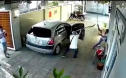 Người đàn ông bị nhóm côn đồ truy sát kinh hoàng ở nhà nghỉ