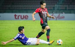 Quang Hải bị chê đá dở sau trận đấu ở Thái Lan