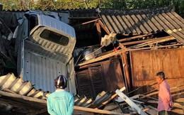 Hiện trường vụ tai nạn xe tải lao vào nhà dân khiến nhiều người cố đi tìm lời giải thích