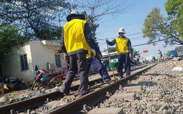 Tàu trật bánh ở Đồng Nai, đường sắt Bắc - Nam tê liệt nhiều giờ