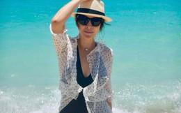 Bất ngờ với thân hình nuột nà, nóng bỏng của U60 Lưu Gia Linh khi diện bikini