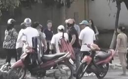 """Cướp táo tợn ở Sài Gòn: Nghi dàn cảnh mua hàng online rồi xông vào """"lột sạch"""" nạn nhân ở giữa đường"""