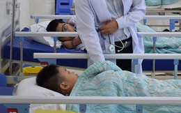 Sau bữa ăn trưa tại nhà cô giáo, 21 học sinh lớp 2 ở Đồng Nai nhập viện nghi bị ngộ độc