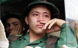 Ảnh: Không cho vợ con đến tiễn, tân binh 9X vẫn bật khóc nức nở trong ngày nhập ngũ