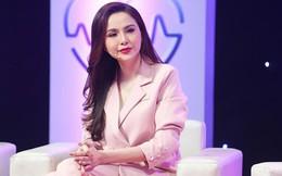 """Hoa hậu Diễm Hương bật khóc: """"Sau 4 năm bị mẹ đẻ từ mặt, tôi đã được ăn cơm cùng gia đình"""""""