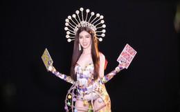 Trang phục gợi cảm, gây tranh cãi của đại diện Việt Nam tại Hoa hậu Chuyển giới