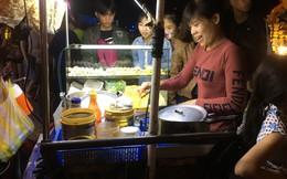 Mưu sinh đêm giao thừa ở phố biển Đà Nẵng: Nhớ nhà nhưng vẫn gắng làm vì thu nhập 'khủng'