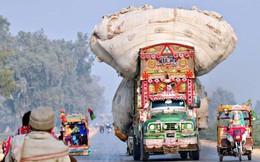 Ảnh: Ngỡ ngàng những chiếc xe chở hàng quá tải, quá khổ khắp thế giới