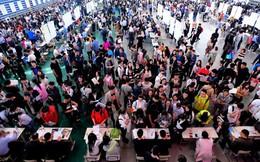 Kinh tế Trung Quốc giảm tốc, có bằng cấp cao cũng không tìm được việc làm
