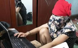 Sợ ngồi máy tính nhiều có hại, mẹ nghĩ ra cách bảo vệ mình siêu lầy ai nhìn thấy cũng cười bò