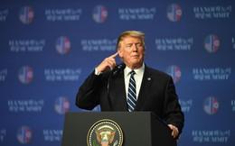 """Giữa """"tâm bão"""" ở quê nhà, vì sao TT Trump bất ngờ nhận được lời ngợi khen hiếm hoi của phe Dân chủ?"""