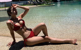 Vẻ nóng bỏng của Phương Trinh Jolie khi diện bikini 2 mảnh