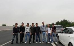 """Vụ nhóm thanh niên dàn hàng ngang chụp ảnh trên cao tốc: """"Bảnh vô tình chụp kiểu ảnh thôi!"""""""