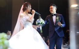MC Cà phê sáng ngọt ngào hát tặng vợ hot girl trong tiệc cưới