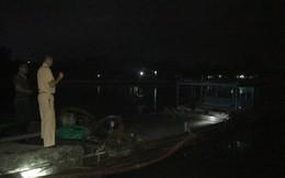 Công an Quảng Trị bắt hàng loạt tàu khai thác cát lậu trong đêm