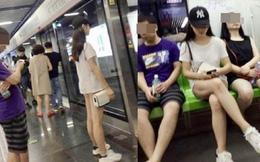 Cô gái khiến người đối diện đỏ mặt không dám nhìn vì cách ăn mặc kỳ quặc này