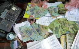 Nhân viên ngân hàng bị công an bắt vì đánh đề bằng tin nhắn điện thoại