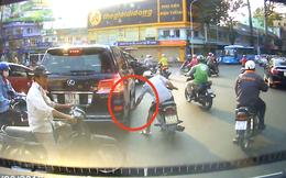 Siêu trộm cạy logo Lexus LX570 trên phố nhanh như chớp