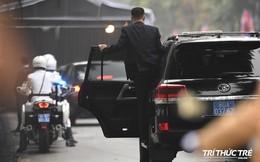 Giải mã chiến thuật đặc biệt của đội ngũ cận vệ chạy bộ quanh xe Chủ tịch Kim Jong-un
