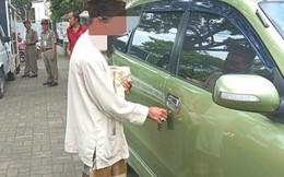Đi ăn xin nhưng có hẳn ô tô riêng, người đàn ông bị dân tình 'ném đá' dữ dội