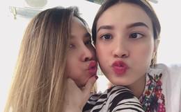 """Selfie cùng con gái 19 tuổi, mẹ trẻ U40 """"tung hoả mù"""" vì nhan sắc hack tuổi đỉnh cao"""