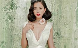 Hoa hậu Tiểu Vy gợi cảm và quyến rũ ở tuổi 19