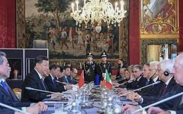 """Chủ tịch Trung Quốc Tập Cận Bình bị Tổng thống Italy """"chỉnh"""" công khai giữa thành Rome"""