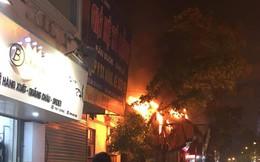 Cháy lớn ở căn nhà khoá cửa trên đường Đê La Thành