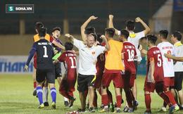 Thắng U19 Thái Lan, thầy Công Phượng hạnh phúc lần đầu được nâng cúp