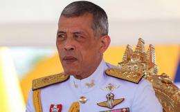 """Vua Thái Lan quyết định """"thu hồi"""" quà tặng và huân chương của cựu thủ tướng Thaksin Shinawatra"""