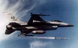 """Su-30MKI Ấn Độ đánh lừa, tránh được 5 quả tên lửa tối tân nhất """"xuất xứ Mỹ"""" bắn đi từ F-16"""