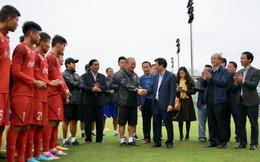 Bộ trưởng giao nhiệm vụ giật vàng SEA Games cho HLV Park Hang-seo ngay trên sân tập
