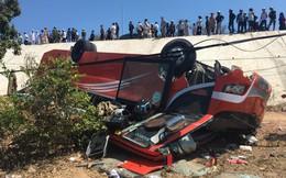 Xe khách lật ngửa dưới vực, nhiều khách nước ngoài bị thương