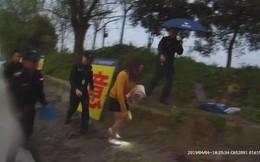 Bị vợ đổ tội ngoại tình, người đàn ông cùng cực nhảy xuống sông tự tử để chứng minh trong sạch, kết quả khiến cảnh sát lắc đầu ngán ngẩm