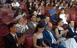 Giải Cống Hiến 2019: Thưa thớt khán giả, Hoa hậu Mỹ Linh nhầm giới tính Hà Anh Tuấn