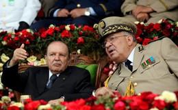 Trước sức ép của người dân và quân đội, Tổng thống Algeria từ chức sớm
