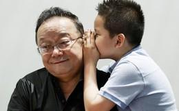 """Sau 3 lần kết hôn, """"Hòa thân đáng ghét nhất Trung Quốc"""" Vương Cương tận hưởng cuộc sống an nhàn bên con cháu"""