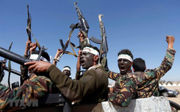 Phiến quân Houthi đe dọa bắn tên lửa vào Saudi Arabia và UAE