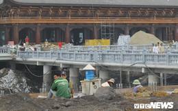 Ảnh: Hàng nghìn công nhân làm việc xuyên đêm tại ngôi chùa lớn nhất thế giới ở Hà Nam
