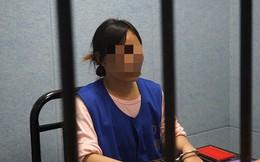 Không được xin việc cho, cô gái dùng ảnh nóng tống tiền tình già 72 tuổi