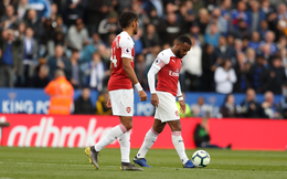 """""""Tan xác pháo"""" dưới chân Leicester, Arsenal trao cơ hội vàng cho Man United và Chelsea"""