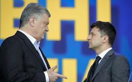"""Đội ngũ của tân TT Ukraine ủng hộ tòa """"chặn đường"""" TT sắp mãn nhiệm: Ông Poroshenko chạy đâu cho thoát?"""