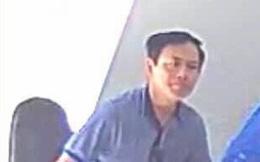 """Ông Nguyễn Hữu Linh """"nguỵ trang"""" kín mít khi đến tòa nhận quyết định triệu tập vụ dâm ô bé gái"""