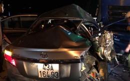 Ô tô 4 chỗ chở cả gia đình tông xe tải, 5 người thương vong