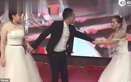 Video: Cặp đôi chuẩn bị hôn nhau thì bồ cũ chú rể mặc váy cưới xông vào lễ đường